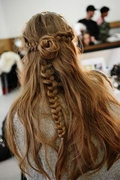 pretty! i dont know if it will work for me but @Bailie Miller Weiss maybe i can try it on you!!