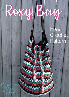Make this crochet Roxy Bag using this free #crochet pattern and cotton yarn! This pattern is very easy and fun to make!