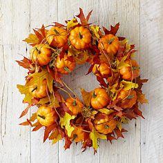 Oak Leaf Pumpkin Wreath - I think I could make something like this