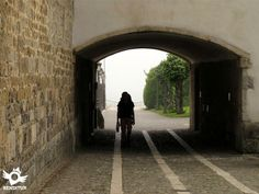 Peregrino entrando en Orreaga/Roncesvalles-Navarra #caminofrances