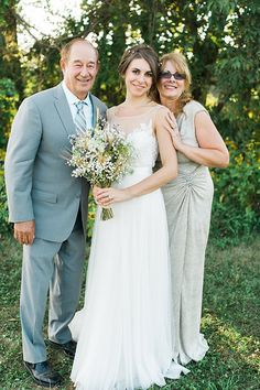 formal shots - bride's family | photos by April Bennett Photography @April Bennett Photography