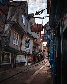 """@theyorkshirephoto on Instagram: """"ᴛʜᴇ ꜱʜᴀᴍʙʟᴇꜱ. With some buildings dating back to the 1300s, The Shambles (York) is a must see part of the historic city. Have you been? .…"""" York Uk, City, Building, Instagram, Buildings, Cities, Construction"""