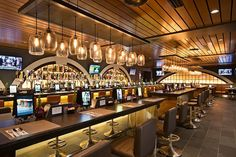 A modern American tavern Local located in Concourse F of the Philadelphia International Airport with a menu by Chef Jose Garces. Photography courtesy of OTG Management.