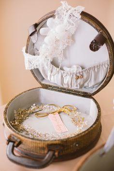 Gorgeous bridal accessories. Photography: Shannon Christopher - shannonchristopher.com/