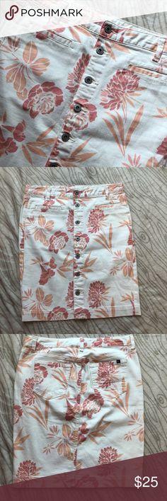 Tommy Hilfiger button up floral denim skirt size 4 Tommy Hilfiger denim floral skirt Size 4 Front button up 21 inches long Tommy Hilfiger Skirts A-Line or Full