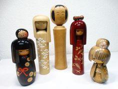 5 Kokeshi's - Japanse traditionele houten poppen- handgemaakt