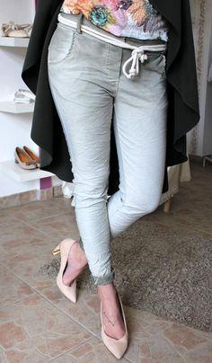 Light green trousers Trouser Jeans, Trousers, Pants, Grey, Fashion, Bebe, Trouser Pants, Trouser Pants, Moda