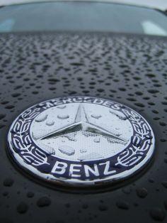 #Mercedes #Logo Mercedes Convertible, Mercedes Wallpaper, Mercedes Benz Logo, Hood Ornaments, Dream Cars, Vehicle, Motorcycles, Icons, Classic