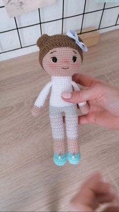 Diy Crochet Doll, Crochet Doll Tutorial, Crochet Fairy, Crochet Doll Pattern, Crochet Bunny, Crochet Patterns Amigurumi, Cute Crochet, Amigurumi Doll, Crochet Baby Toys