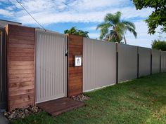 diy fence with corrugated iron and timber Timber Gates, Timber Fencing, Diy Fence, Backyard Fences, Fence Ideas, Fence Options, Backyard Ideas, Garden Ideas, Fence Builders