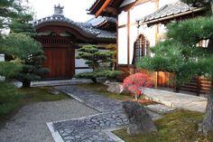 Zen garden of Myoshinji Temple complex