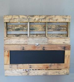 Pallet-wood-fold-out-desk-1400700375