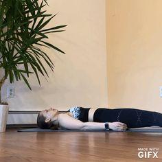 How to Loosen Tight Hamstrings - Yoga Sequence -Living Yogi Life Hamstring Yoga, Splits Stretches, Tight Hamstrings, The Shins, Leg Lifts, Yoga Sequences, Back Pain, Ballet Dance, Thighs