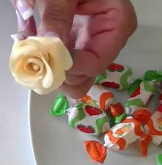 Flores de caramelo para decorar tartas, pasteles y cupcakes