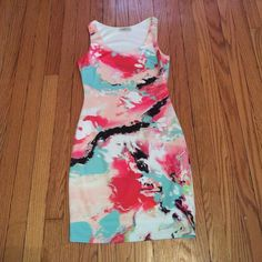 Arden B dress in size medium Size Medium dress with cute colors! Lining inside. In very good condition! Only used twice Arden B Dresses
