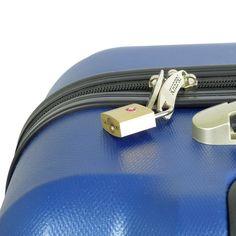 Zens TSA Slotenset  Description: Reis veilig over de hele wereld met de TSA sloten set van Zens. Deze stevige slotenset beschermt je koffer; rugtas of trolley tegen criminelen met minder goede bedoelingen. TSA sloten zijn goedgekeurd door de Amerikaanse Transport Security Administration (TSA) en zijn daarom ook de enige sloten die gebruikt mogen worden om koffers af te sluiten op alle vliegvelden in de VS. Bovendien kunnen TSA sloten tijdens een controle door douane of beveiligingspersoneel…