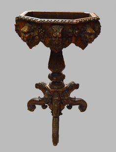 Gründerzeit Blumentisch Eiche, auf drei geschwungenen geschnitzten mit…