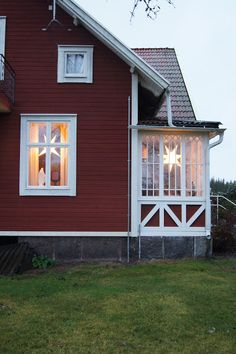Scandinavian Farmhouse: Swedish Farmhouse/Cottage with Red White siding and beautiful time Swedish Farmhouse, Swedish Cottage, Red Cottage, Swedish House, This Old House, Up House, Farm House, Voyage Suede, Scandinavian Cottage