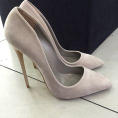 // shoes // heels // grey heels // grey //  // entrepreneur // working woman // office // professional //