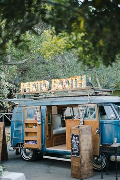 Take a look at some of our favourite real weddings from the last 12 months, with gorgeous decor, glamorous style, and beautiful photography. Check out this board for some alternative festival wedding inspiration. Wedding Planning Tips, Wedding Tips, Wedding Blog, Wedding Planner, Trendy Wedding, Wedding Ceremony, Event Planning, Photobooth Wedding Ideas, Photo Booth Wedding