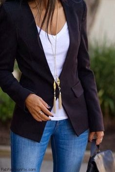 Love the blazer with jeans!