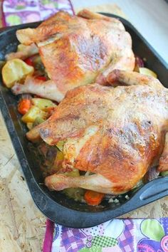 Best Roasted Cornish hen recipe - Need a perfect meat recipe for holidays? This is probably the best Cornish Hen recipe, stuffed with mushrooms and ham and flavored with butter, lemons, garlic and herbs. Entree Recipes, Meat Recipes, Chicken Recipes, Dinner Recipes, Cooking Recipes, Healthy Recipes, Turkey Recipes, Delicious Recipes, Recipies