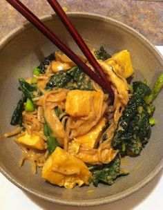 Healthy Pad Thai - try konjac noodles in place of soba to reduce the carbs.