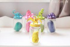 Dinosaur jar lids for storing playdough