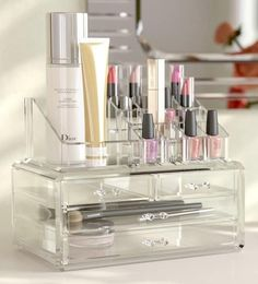 Whether you're looking to organize your lipstick collection or corralling your rings and bracelets in simple style, this essential jewelry and cosmetic organizer adds a touch of simple utility and clean-lined Vanity Organization, Home Office Organization, Organization Ideas, Cosmetic Storage, Makeup Storage, Makeup Display, Clear Makeup Organizer, Makeup Brush Cleaner, Make Up Organiser