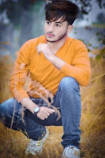 Stylish Handsome Beautiful Boy: new hair style boys 2020 New Pakistani Hairstyles For Boys 2020 Cool and Short Hairstyles for Boys Handsome Boy Photo, Cute Boy Photo, Photo Poses For Boy, Boy Poses, Handsome Boys, Stylish Boys, Stylish Girl Images, Stylish Dpz, Beard Styles For Boys