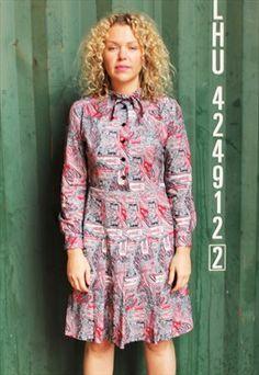 Vintage 1960s Long Sleeved Paisley Print Dress