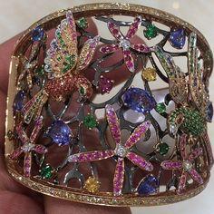 Best Diamond Bracelets  : Repost from @rcumbriaa.palmaresjewellery #jewelry #jewels #luxuryjewelry #fashio