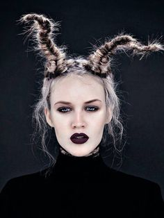 If you wanna be the devil at Halloween this style gonna be perfect for you!!