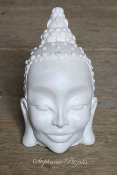 Essayez ! Decoration, Creations, Christmas Ornaments, Holiday Decor, Porches, Art, Buddha, Pottery, Eyes