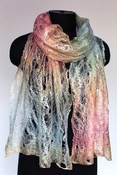 "50/50 merino wool / tencel top Length 78 3/4"" (200 cm) Width 16 1/2"" ( 42 сm) Weight 1 oz (28 gm)"