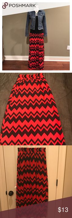 "Chevron Print Maxi Skirt Size Small, Stoosh Brand, Black and Red, Chevron Print Maxi Skirt.  The tag does not specify size; the waist measurement is 26"" but has elastic for plenty of stretch.  Length is 38"". In great pre-owned condition. Skirts Maxi"