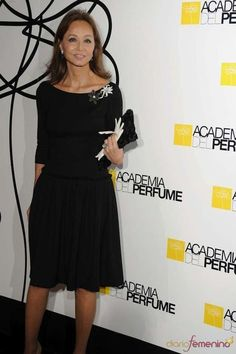 El estilo único de Isabel Preysler: fotos de los looks - Isabel Preysler con guantes