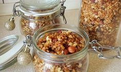 Křupavá ořechová granola Muesli, Granola, Raw Food Recipes, Homemade, Snacks, Vegetables, Healthy, Cakes, Appetizers