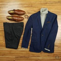 Navy Blue Blazer: Men's Outfit Essential (How to Wear & Where to Buy) Blue Blazer Outfit Men, Navy Dress Outfits, Blazer Outfits Men, Work Outfits, Casual Outfits, Turtleneck And Blazer, Mens Fashion Suits, Man Fashion, Geek Fashion