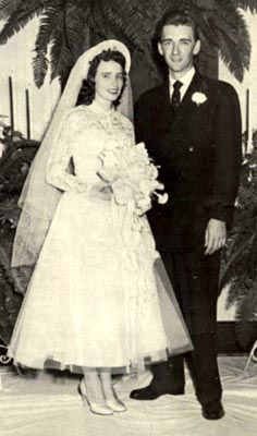 June And Johnny Cash, June Carter Cash, Country Music Stars, Country Music Singers, Star Wedding, Wedding Pics, Hillbilly, Special People, Musicians
