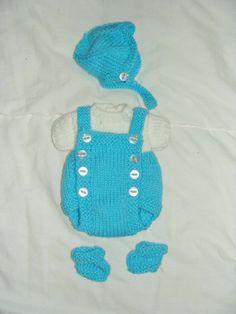 Ensemble barboteuse, pull, bonnet chaussons tricoté bleu et blanc : Jeux, jouets par danielaine-tricots-enfants