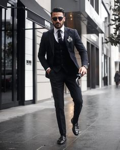 Super hairstyles for men with widows peak outfit ideas hairstyles is part of Hipster mens fashion - Mens Fashion Blog, Mens Fashion Suits, Mens Suits, Men's Fashion, Fashion Menswear, Street Fashion, Fashion Outfits, Fashion Tips, Full Black Suit