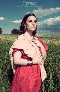 Roman Dress tutorial on www.daniellefiore.blogspot.com