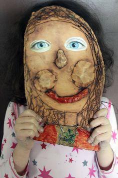 Keramika. Nalepené, makroobjektivem vyfocené oči. Studios, Princess Zelda, Clay, Fictional Characters, Pictures, Clays, Fantasy Characters, Modeling Dough
