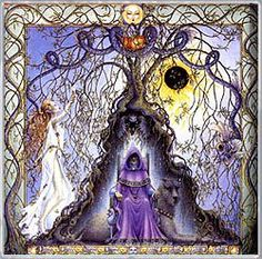 In Celtic astrology, the zodiac is based on the trees that the Druids held sacred. It was believed that the trees themselves expressed personal characteristics that could then be associated with particular months of the year. Celtic Zodiac Signs, Celtic Astrology, Aries Moon Sign, Voyant Medium, Tres Belle Photo, Celtic Tree, Irish Celtic, Triple Goddess, Willow Tree