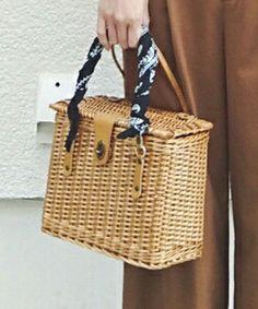 義母のお下がりの「かごバッグ」です。このアイテム着用のコーディネートをチェックすることもできます。