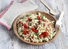 Un couscous vraiment original complètement végétal. Une recette à tester absolument. Amazing Vegetarian Recipes, Vegetarian Food, Pizza Lover, Cauliflower Salad, Tahini Dressing, Best Dishes, Couscous, Meatless Monday, Fresh Herbs
