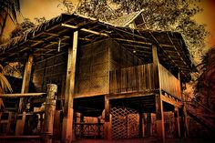 Philippines Architecture: Now and History Heritage of Ancient ethnic indigenous Spanish Buildings Houses Bridges etc. Filipino Architecture, Philippine Architecture, Architecture Concept Drawings, Art And Architecture, Filipino House, Bahay Kubo, Philippines Culture, Green Building, Pinoy