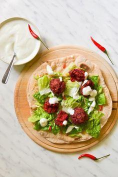 Falafel z červenej repy Falafel, Tacos, Mexican, Ethnic Recipes, Fitness, Blog, Blogging, Falafels, Mexicans