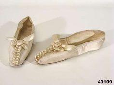 Queen Desiderias (Désirée Clary, 1777-1860)  shoes. http://en.wikipedia.org/wiki/D%C3%A9sir%C3%A9e_Clary